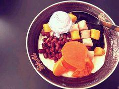 レシピとお料理がひらめくSnapDish - 33件のもぐもぐ - tofu pudding★(taro ball,kidney bean,sweet potato,grass jelly & taro ice cream) by mik lim