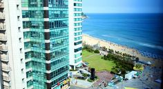 Sunset Business Hotel Busan Located by Haeundae Beach, the stylish Sunset Business Hotel offers comfortably furnished rooms. Aside from free stays for children under 8, it also has WiFi and private parking free of charge.