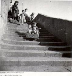 Teófilo Rego - Children's playing, Ribeira, Porto, Portugal, Undated