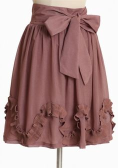 Shabby chic..Bow skirt...