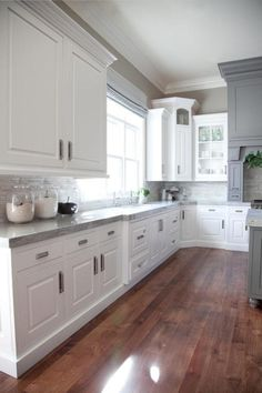 nice 40 Adorable Grey And White Kitchens Design Ideas