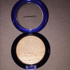 "MAC ""OH DARLING"" SOLD OUT!! 3 Mac extra dimension skinfinish in ""oh darling"" New authentic in box and never been used MAC Cosmetics Makeup Luminizer"