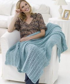 Free Knitting Pattern for Arrowhead Lace Throw - This easy afghan by Grace Alexander features a simple all-over lace stitch in an elegant, lightweight throw. Lace Knitting Patterns, Afghan Patterns, Loom Knitting, Free Knitting, Knitting Tutorials, Lace Patterns, Knitting Needles, Knitting Projects, Stitch Patterns