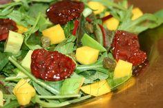 Салат с вялеными помидорами и авокадо — 2 ТАРЕЛКИ   кулинария, рецепты, блюда, пошаговые фото, поиск по ингредиентам