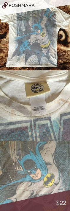 Vintage DC batman t shirt Slim fit DC t shirt  Men's size L  Very good condition DC Shirts Tees - Short Sleeve