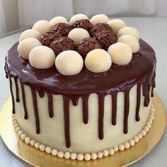 Cake Tutorials At Home Chocolate Cake Designs, Chocolate Drip Cake, Easy Cake Recipes, Dessert Recipes, Delish Cakes, Chocolate Garnishes, Nautical Cake, Easy Cake Decorating, Drip Cakes