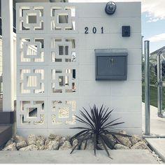 House Gate Design, Door Gate Design, Gate House, House Entrance, Modern Exterior, Interior Exterior, Tor Design, Modern Fence Design, Compound Wall