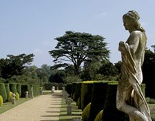 A statue in the garden at Hidcote. The Royal Oak Foundation.