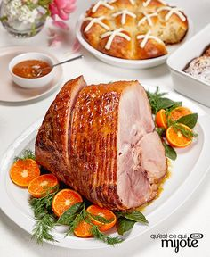 Easy does it at your Easter feast! Set this juicy glazed ham to cook in your slow-cooker and you'll have plenty of time to prepare the rest of your spread. Tap or click photo for this Ham Recipes, Easter Recipes, Slow Cooker Recipes, Great Recipes, Cooking Recipes, Recipies, Easter Ham, Easter Food, Easter Dinner