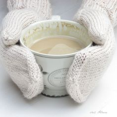 Something for winter time Knit Mittens, Knitted Gloves, Winter Time, Arm Warmers, Tea, Mugs, Coffee, Stylish, Sweet
