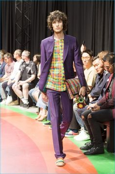 Paul-Smith-2017-Spring-Summer-Mens-Runway-Collection-011