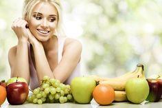 Siendo un fumador pasivo, tienes que tener mucho cuidado con tu piel. Es importante comer alimentos ricos en vitaminas C, E y A. Estas vitaminas ayudan a mantener la producción de colágeno, y a reparar el tejido dañado de la piel.
