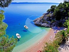 8 beautiful beaches in Croatia - Reise - Holiday Costa, Riviera Beach, Holiday Places, Travel Magazines, Croatia Travel, Most Beautiful Beaches, Beautiful Places, Camping Life, Beach Holiday