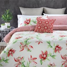 Briscoes - Fieldcrest Daylily Duvet Cover Set