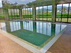 The indoor swimming pool at Gazueles del Sol ion this 2 bed aparment for sale