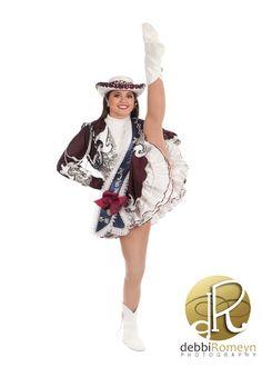 Rowlett High School Silver Rhythm Dancer Drill Team Portrait Drill Team Pictures, Dance Uniforms, Professional Cheerleaders, Ice Girls, Nfl, Picture Poses, Cheerleading, Beauty Women, Dancer