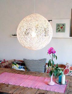 Globo hilo - Un resultado super original y fácil de hacer gracias a un globo y lana.    En Pickles