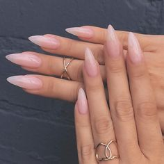 best acrylic glitter gel nails for summer nail color designs try on this sea. - glitzer, best acrylic glitter gel nails for summer nail color designs try on this sea Long Almond Nails, Almond Acrylic Nails, Almond Shape Nails, Best Acrylic Nails, Long Nails, Almond Nails Pink, Fake Nails Shape, Classy Almond Nails, Natural Almond Nails