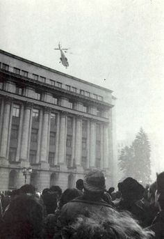 The Ceausescu's flee Bucharest by helicopter