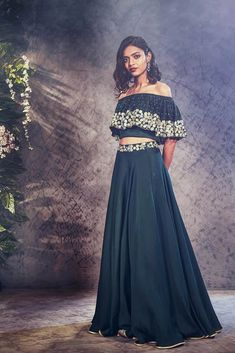 Arabella Lengha – KYNAH - Bottle green lengha featuring an off-shoulder blouse embroidered with floral threadwork and mirrors. Comes with a matching high-waisted lengha with an embroidered belt. The standard blouse length is Green Lehenga, Embroidered Blouse, Pakistani, Desi, Off Shoulder Blouse, Mirrors, High Waisted Skirt, Outfit Ideas, Indian