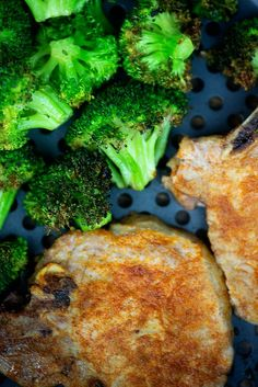 Air Fryer Pork Chops and Broccoli! Perfectly juicy pork chops and roasted broccoli all at once! Air Fryer Pork Chops and Broccoli! Perfectly juicy pork chops and roasted broccoli all at once! Air Fry Pork Chops, Juicy Pork Chops, Fried Pork Chops, Pork Loin Chops, Pork Ribs Grilled, Barbecue Pork Ribs, Healthy Snacks For Adults, Good Healthy Recipes, Healthy Foods