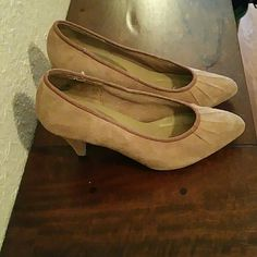 Vintage suede heels Pre-loved but still in are in good condition. Shoes Heels