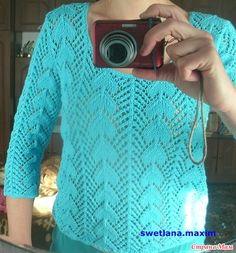 Знакомая заказала вот такой ажурный пуловер.  Пряжу выбирали вместе - Джинс от ЯрнАрт, хлопок/акрил, 50г/160м, цвет № 33 голубой, спицы № 2,5. На размер 48 ушло 4, 5 мотка.