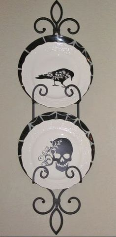Plate Rack - Normandy Double for - Plates, Plate Racks and Hangers Plate Hangers, Plate Racks, Plate Holder, Halloween Dishes, Halloween Town, Halloween Ideas, Plate Display, Plate Stands, Fall Diy