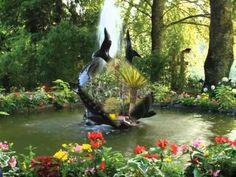 """Красивые сады мира. Музыка Иоганн Штраус """"На прекрасном голубом Дунае"""" - YouTube Twilight New Moon, Aquarium, Waterfall, Outdoor, Videos, Projects, Garden, Landscape, Eyes"""