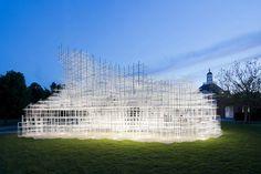 Pavilhão temporário da Serpentine Gallery, em Londres, abre para o público no sábado, com obra do japonês Sou Fujimoto.