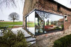 Casa de campo Lennik / Studio Farris Architects