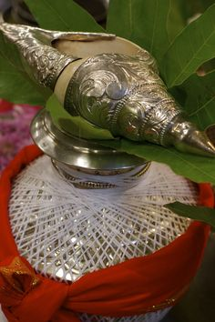 Kumbha and shanka Copper, Brass, Conch, Utensils, Silver, Gold, Shell, Spirituality, Decoration