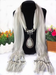 Love This Autumn New Arrival Unique Carving Tassel Cotton Scarf Necklaces