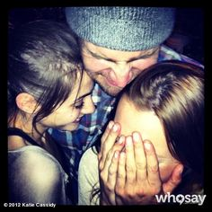 Arrow Cast Stephen Amell, Katie Cassidy and Willa