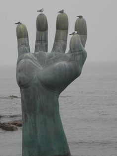 Hand of Coexistence, Pohang. This Bronze sculpture is part of Homigot National Sunrise Festival. This is only a part of the monuments featured here. There is a large performance space too. There are in fact two palms  installed at the waterfront and the beachfront. The palms face each other harmony and coexistence.#KoreanContemporaryArt
