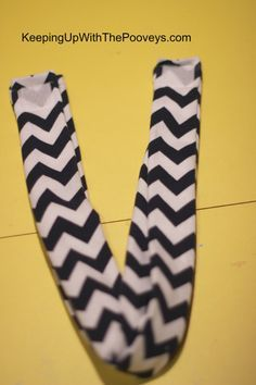 Learn how to make this easy toddler infinity scarf that has velcro
