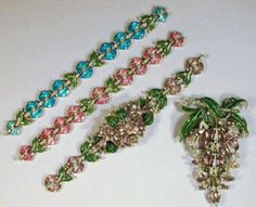 Couture and Textiles Auction Catalogue for Auction on Wed, 11/01/2000 - 07:00 | Doyle Auction House