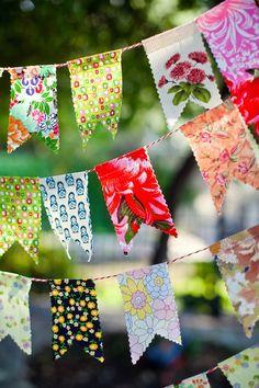 Banderines de tela $60.- https://www.mercadopago.com/mla/checkout/pay?pref_id=124405394-0c690e05-78b2-4891-8b76-271cc3f9bdbd