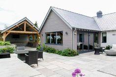 70s bungalow modern contemporary Conversion — JDW Building & Conservation Modern Bungalow House Design, Modern Bungalow Exterior, White Exterior Houses, Bungalow Porch, Bungalow House Plans, Bungalow Ideas, House 2, House Designs Ireland, Bungalow Conversion