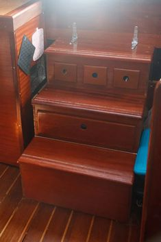 Sailboat Living, Living On A Boat, Sailboat Interior, Yacht Interior, Liveaboard Sailboat, Liveaboard Boats, Stair Drawers, Sliding Drawers, Boat Organization