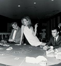 Veruschka. Vogue Paris, 1967. Photo: Franco Rubartelli.