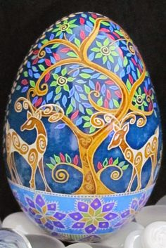 Turkey Egg Pysanka by Katrina Lazarev - such a lovely story. Love the stylish deer! Ukrainian Easter Eggs, Ukrainian Art, Egg Crafts, Easter Crafts, Carved Eggs, Easter Egg Designs, Faberge Eggs, Thinking Day, Egg Art