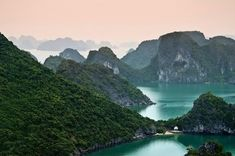 Travel with Cosianatour and get designed Vietnam tours just for you. Enjoy private guides & custom tours to see the variety of Vietnam from Hanoi to Hochiminh City by your own. Amazing Nature Photos, Cool Photos, Nature Pictures, Beautiful Pictures, Vietnam Tours, Vietnam Travel, Sun And Water, World Photography, Outdoor Photography