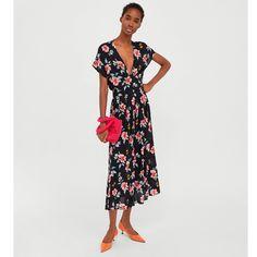 802a4ab5f8a 58 meilleures images du tableau robes tendance P E 2018