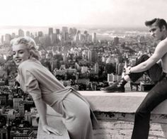 Funny pictures about Marilyn and Elvis. Oh, and cool pics about Marilyn and Elvis. Also, Marilyn and Elvis photos. Hollywood Stars, Classic Hollywood, Old Hollywood, Hollywood Boulevard, Hollywood Icons, Hollywood Actor, Elvis Presley, Fotos Marilyn Monroe, Marylin Monroe