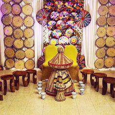 ・・・ Beautiful Ethio Eritrean Cultural Backdrop , Mesob design made by small cultural stuff Traditional Wedding Decor, Traditional Dresses, Ethiopian Wedding, Hotel World, African Art Paintings, Wedding Painting, Eritrean, Wedding Ceremony Decorations, Wedding Ideas