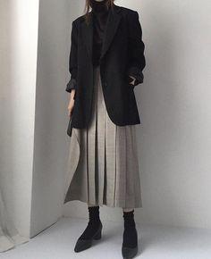 Best Outfits Part 4 Mode Ootd, Mode Hijab, Look Fashion, Korean Fashion, Winter Fashion, 80s Fashion, Curvy Fashion, Spring Fashion, Classy Outfits