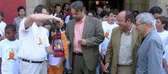 La foto que deixa en evidència el PP per la persecució de la Flama del Canigó | VilaWeb