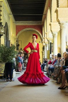 Pasarela flamenca - We love flamenco 2018 Bridesmaid Dresses, Wedding Dresses, Long Jackets, Dance Outfits, Western Wear, Ruffles, Style Inspiration, Formal Dresses, Formal Wear
