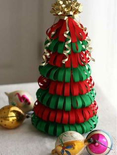 DIY Mini Christmas Tree Decor Ideas — Make these simple mini Christmas trees, perfect to include every year with your Christmas decorations. Alternative Christmas Tree, Mini Christmas Tree, Diy Christmas Ornaments, Diy Christmas Gifts, Simple Christmas, Christmas Tree Decorations, Christmas Ribbon, Christmas 2015, Christmas Topiary